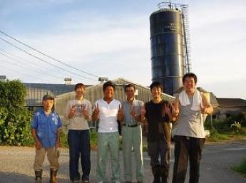【寮+嬉しい3食つき♪】仔牛と一緒に成長し、酪農全てを学べる場所!女性スタッフも活躍中♪