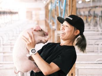 目指すは日本一の豚作り! その想いの実現はスタッフの働きやすさと1人1人の努力の積み重ねから。 ★週休2日・未経験の方歓迎★